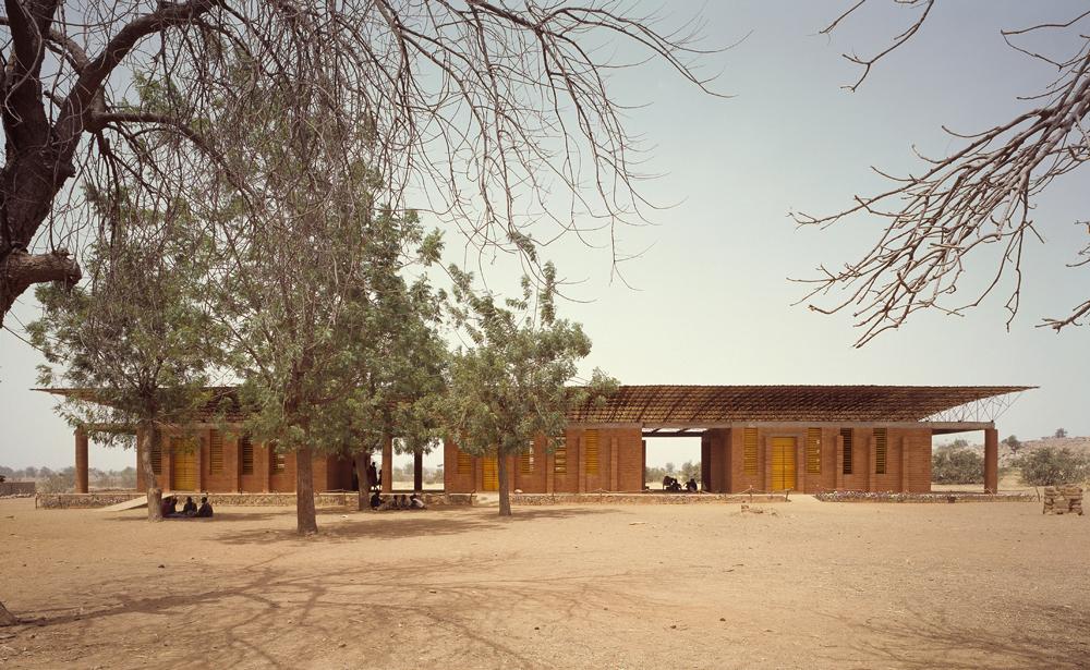 Kéré Architecture, Gando Primary School; Gando, Burkina Faso, 2001 © Simeon Duchoud